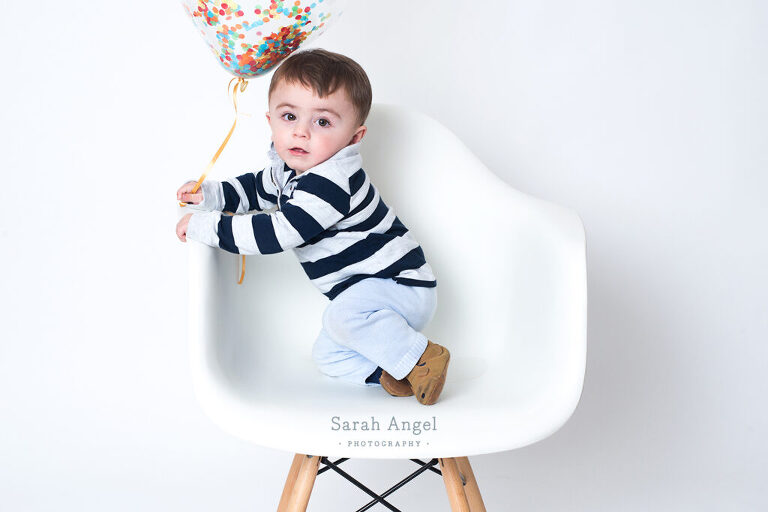 Busylizzy Farnham baby portrait shoot with Freddie who turned one year old.